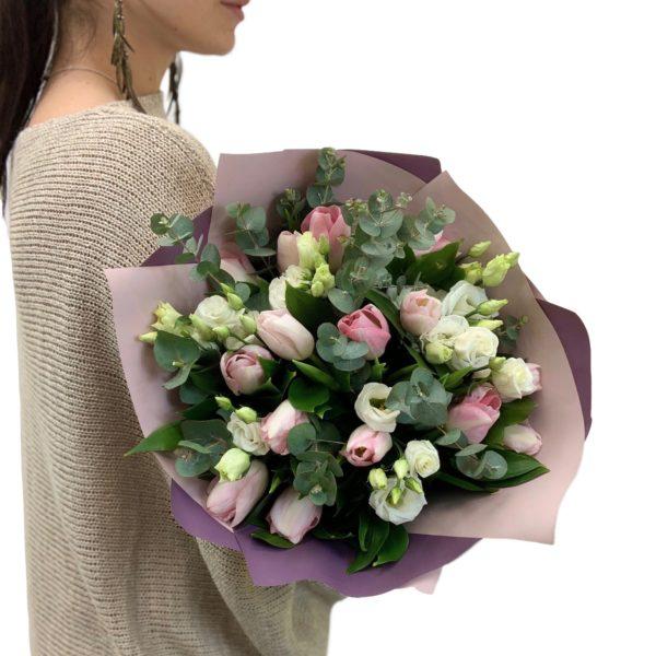 Букет Тюльпаны с эвкалиптом фото