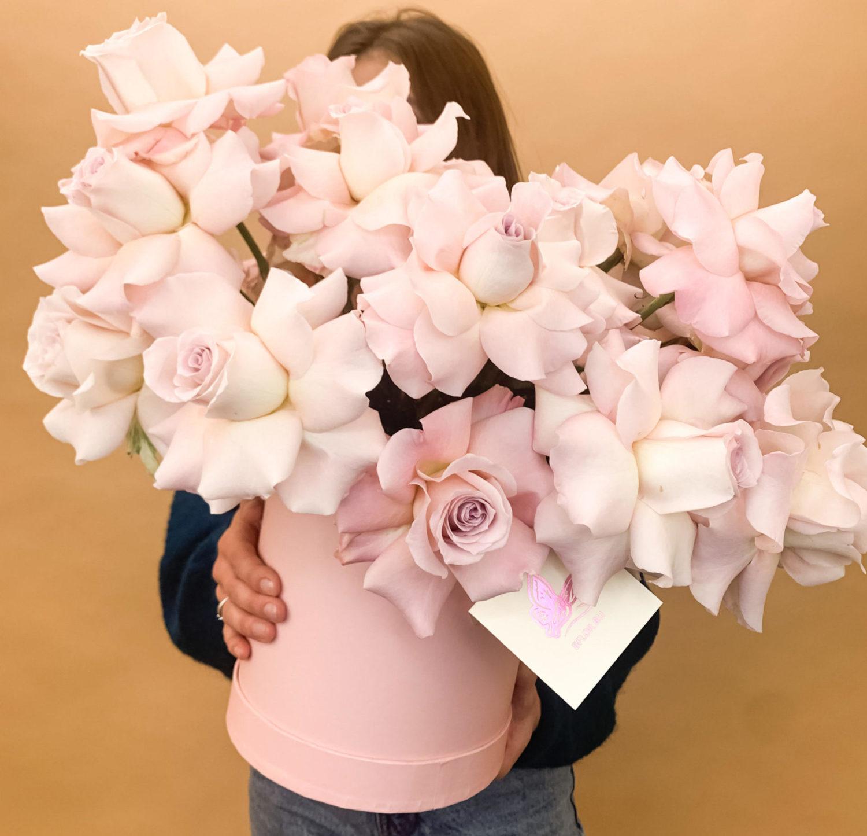 Коробка с розами Капкейк фото