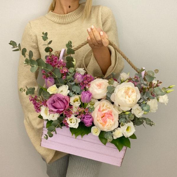 Ящик с цветами Желаю счастья фото